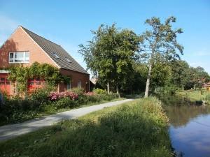 Bild: Haus am Fluß, Garten, Nordseenähe, gerne Familien,Paare,Singles, Hunde