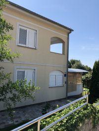 """Bild 3: Ferienhaus """"Villa Malinska"""" mit Meerblick auf der Insel Krk"""