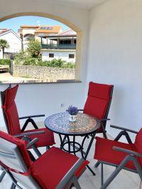 """Terrasse mit Meerblick - Bild 30: Ferienhaus """"Villa Malinska"""" mit Meerblick auf der Insel Krk"""